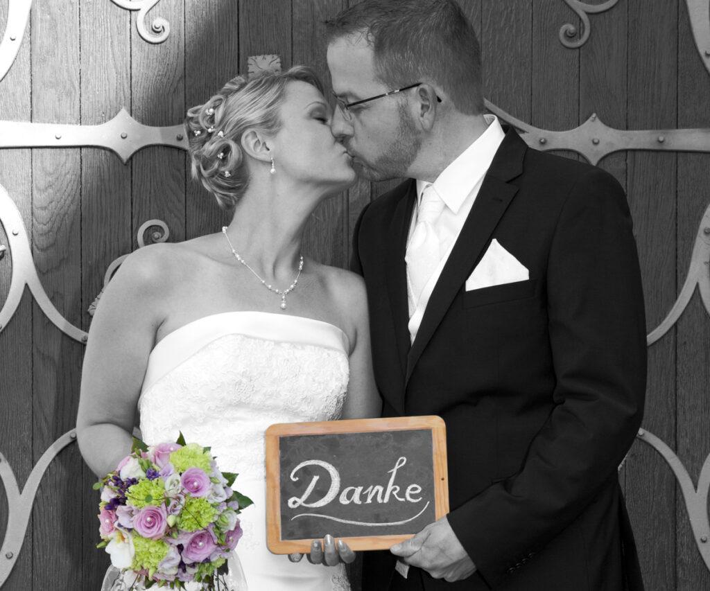 Fotograf Beckum Hochzeit Danksagung Kuss